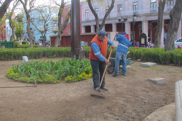 Rehabilitan jardines de plaza patria palestra for Jardines de plaza