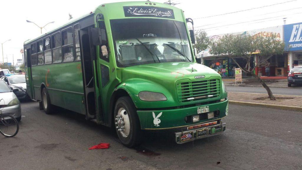 Camión Urbano Atropella y Mata a Abuelito