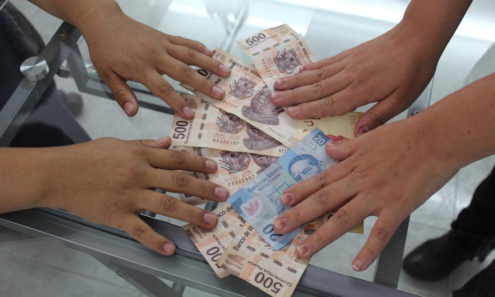 """Cinco Ambiciosas y Mensas Mujeres las Despelucaron con """"El Telar de la Abundancia"""""""