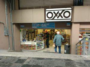 Asaltaron el OXXO de Palacio de Gobierno