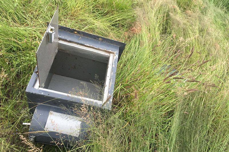 A Punta de Pistola Asaltan OXXO y se Llevan Caja Fuerte