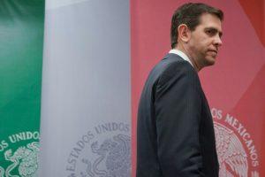 Amigo de Peña Nieto se Aferra al Hueso de la CONADE