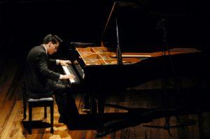 Concierto de la OSA con el Pianista Anthony Tamayo