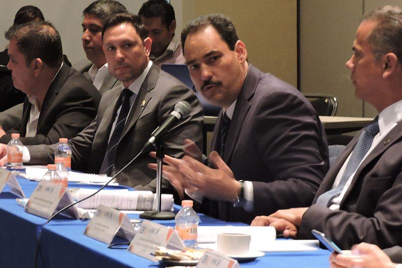 Participa Alcalde Capitalino en Sesión de la ANAC