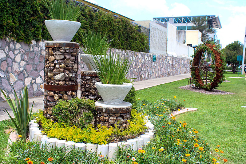 constante mantenimiento en jardines palestra On diseno de jardines aguascalientes