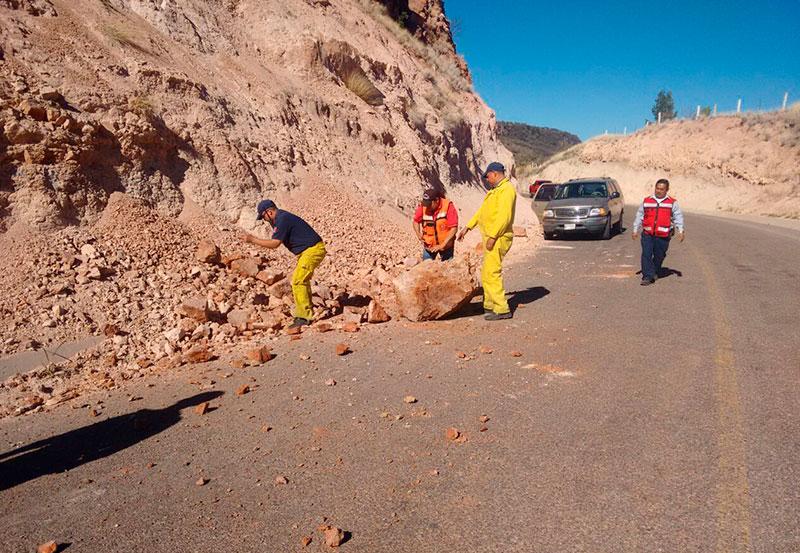 Derrumbe en Carretera de Calvillo
