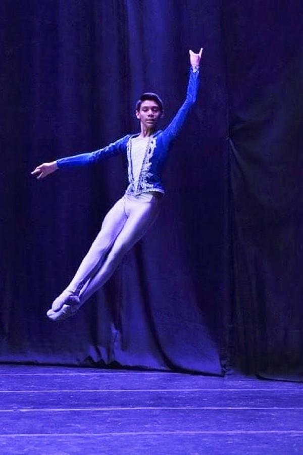 Bailarines de Aguascalientes Triunfan en Concurso Attitude