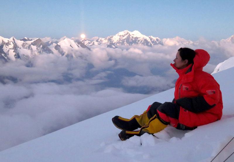 Viridiana Álvarez Llega a la Cima del Everest