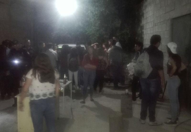 Revientan Fiesta de Adolescente y Aseguran Alcohol y Drogas