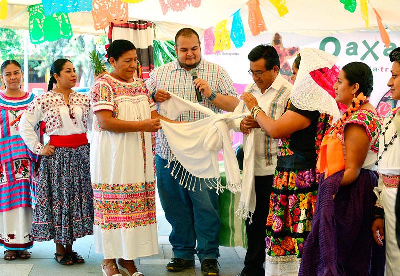 """""""Oaxaca y la Guelaguetza en Aguascalientes"""""""