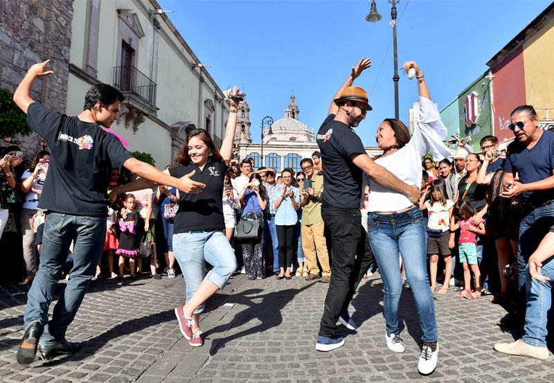 Se Realizó la Callejoneada del Festival Ibérica Contemporánea