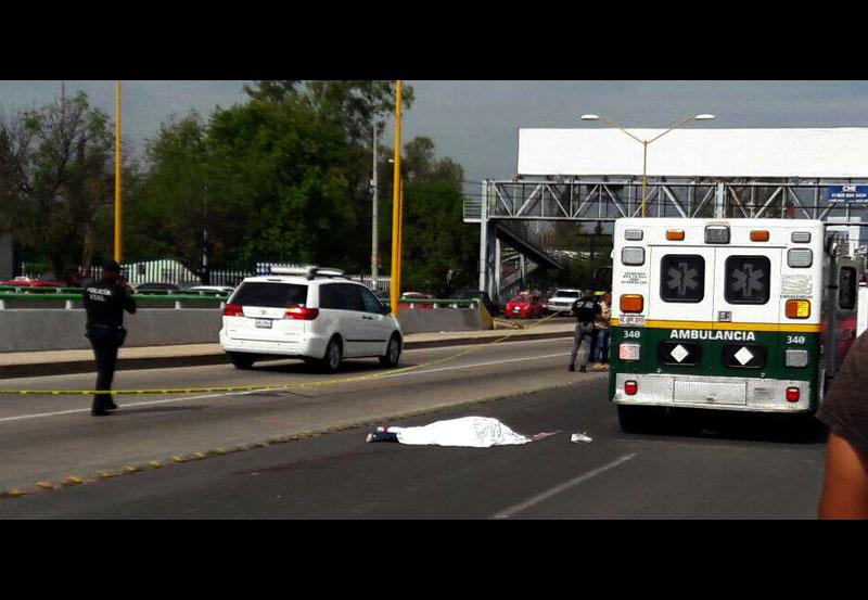 Cristalero Huye de la Policía, Cruza la Calle y Muere Atropellado por una Camioneta