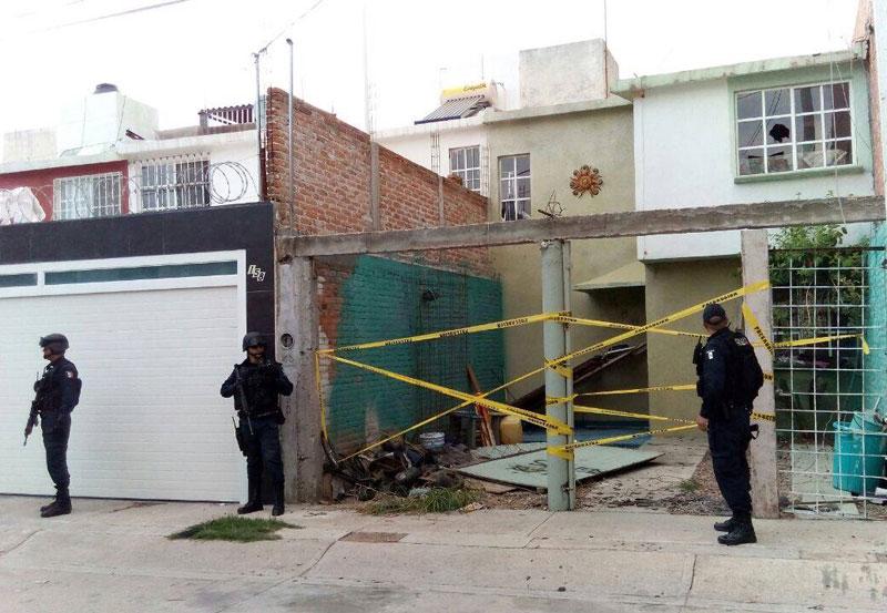 Vecinos Siguen Haciendo la Chamba de los Policías