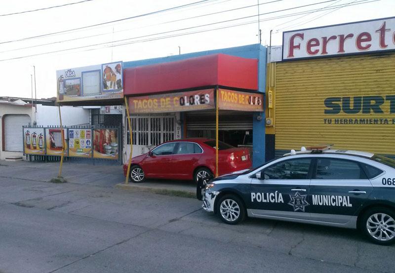 Flamazo en Local de Tacos de Colores Deja Mujer con Quemaduras