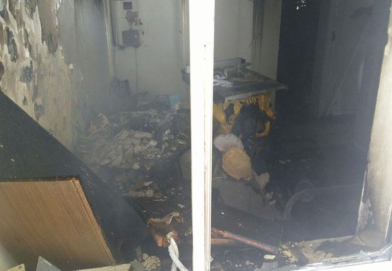 Policías y Vecinos Sofocan Incendio en Casa Habitación en El Cobano