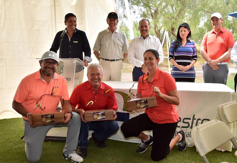 """Premian a los Ganadores del Torneo de Golf en Homenaje a """"Armillita Chico"""""""