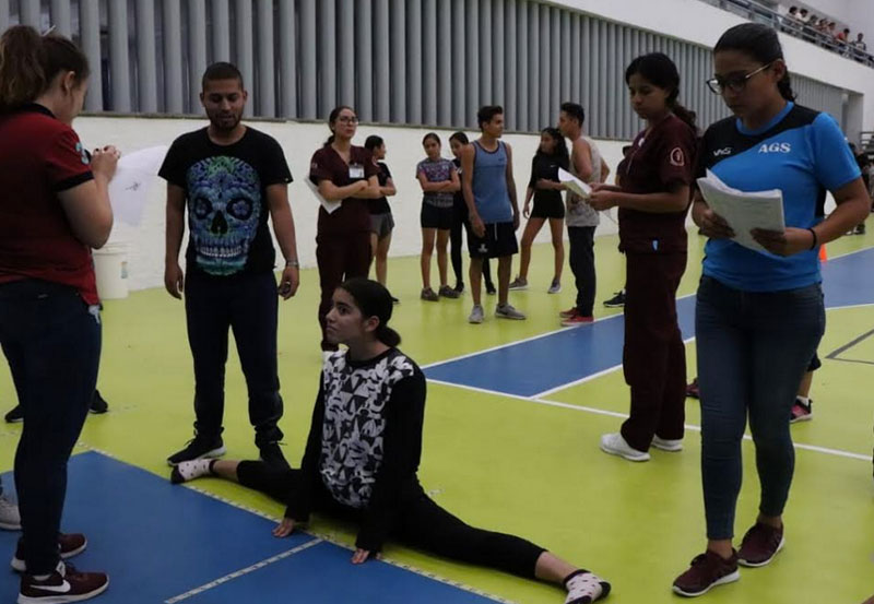 Más de 300 Jóvenes Participaron en las Evaluaciones Físicas del IDEA