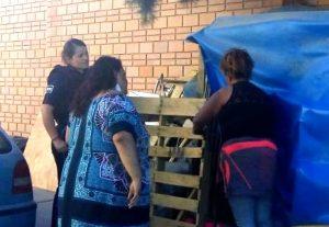 Mujer que Vivía en la Calle, es Trasladada a Albergue