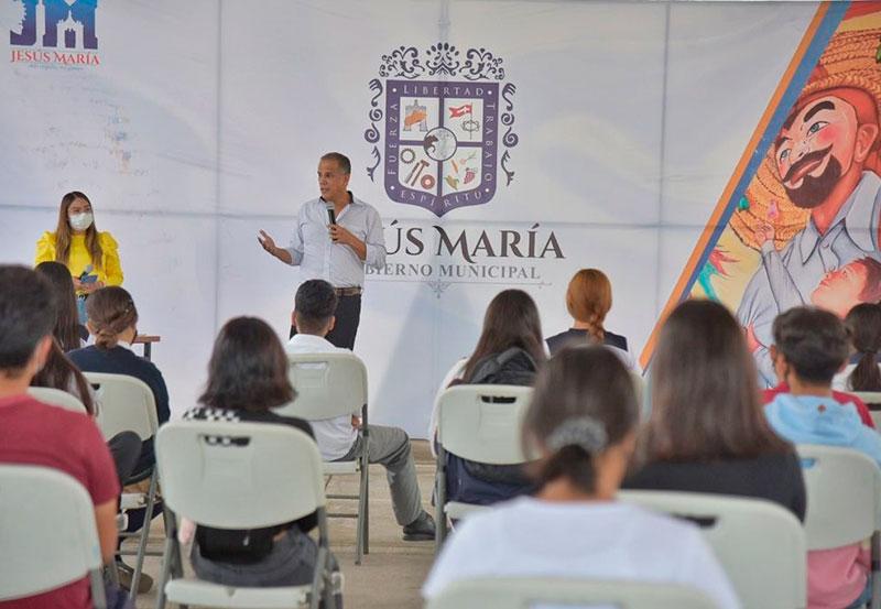 Realiza Toño Arámbula un Encuentro con Jóvenes del Municipio